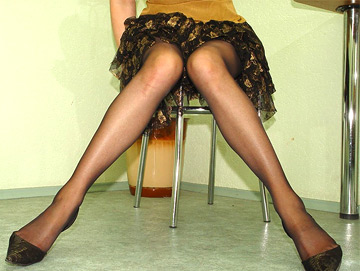 mom pantyhose upskirt time
