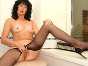 slutty mature pantyhose