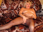 horny housewife in pantyhose