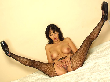 leggy milf in crotchless pantyhose